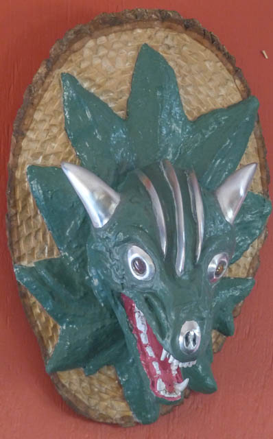 Mounted Dragon Head